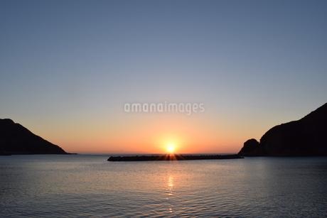 日の出の写真素材 [FYI03399213]