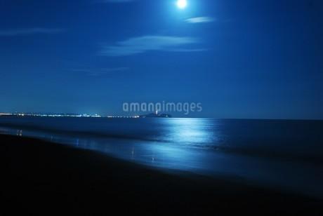 月明りの江の島の写真素材 [FYI03399746]