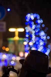 冬の街のイルミネーションの写真素材 [FYI03399892]