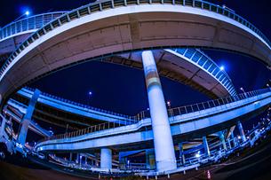 首都高速湾岸線・大黒ジャンクション(横浜市鶴見区)の写真素材 [FYI03399907]
