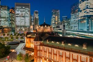 東京 丸の内 東京駅の写真素材 [FYI03400959]
