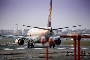 飛行機の写真素材 [FYI03401149]