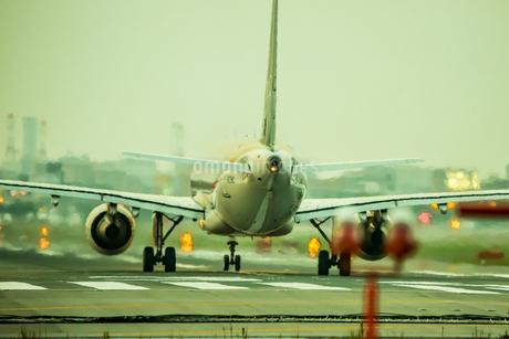 飛行機の写真素材 [FYI03401171]