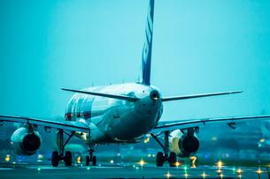 飛行機の写真素材 [FYI03401174]