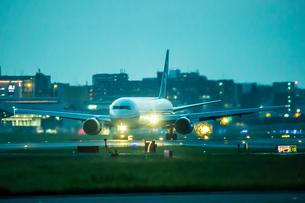 飛行機の写真素材 [FYI03401177]