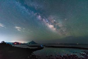 番所鼻自然公園から見た星空 日本 鹿児島県 南九州市の写真素材 [FYI03401593]
