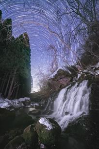 元滝伏流水 日本 秋田県 にかほ市の写真素材 [FYI03401718]