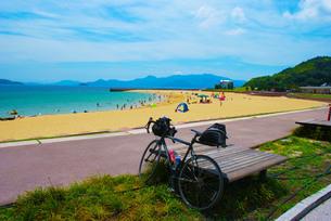 自転車長距離の旅イメージの写真素材 [FYI03402626]