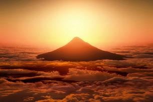 富士山の日の出のイラスト素材 [FYI03402915]