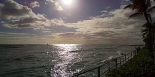 ハワイワイキキ逆光の写真素材 [FYI03403113]