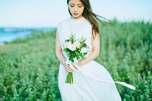 ウェディング 花嫁 ブーケの写真素材 [FYI03403693]