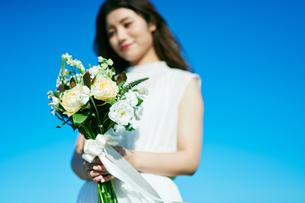 ウェディング 花嫁 ブーケの写真素材 [FYI03403699]