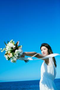 ウェディング 花嫁 ブーケの写真素材 [FYI03403729]