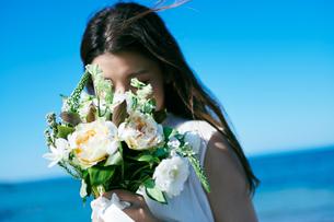 ウェディング 花嫁 ブーケの写真素材 [FYI03403735]