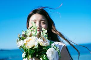 ウェディング 花嫁 ブーケの写真素材 [FYI03403736]