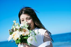 ウェディング 花嫁 ブーケの写真素材 [FYI03403737]