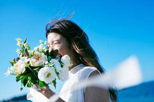 ウェディング 花嫁 ブーケの写真素材 [FYI03403739]