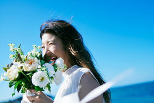 ウェディング 花嫁 ブーケの写真素材 [FYI03403740]