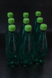 ペットボトルの水の写真素材 [FYI03403844]