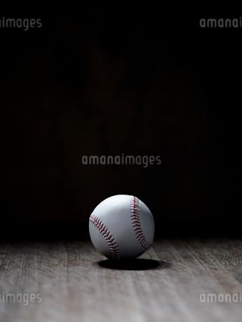 野球のボールの写真素材 [FYI03403850]