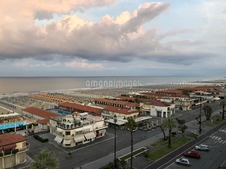 ヴィアレッジョの海岸線の写真素材 [FYI03403909]