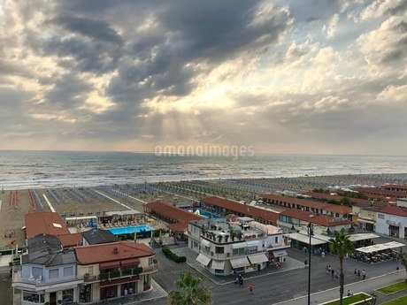 ヴィアレッジョの海岸線の写真素材 [FYI03403910]