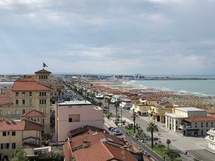 ヴィアレッジョの海岸線の写真素材 [FYI03403912]