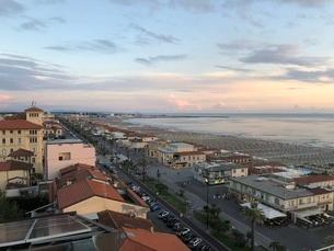 ヴィアレッジョの海岸線の写真素材 [FYI03403913]