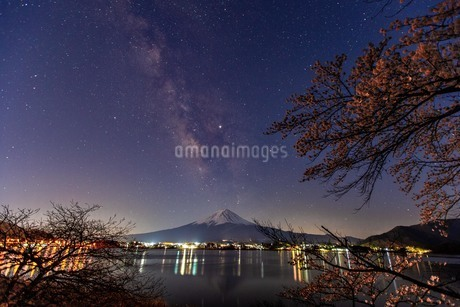 河口湖 日本 山梨県 富士河口湖町の写真素材 [FYI03404099]