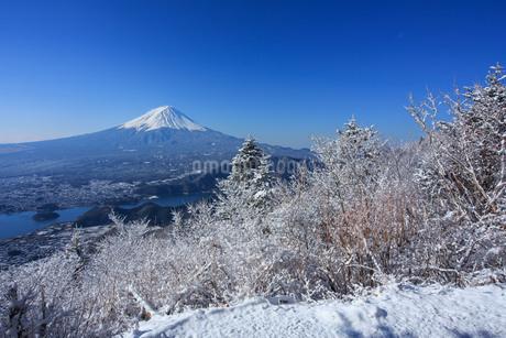 新道峠から望む富士山 日本 山梨県 笛吹市の写真素材 [FYI03404115]