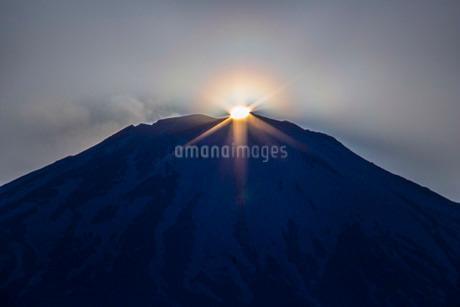 ダイヤモンド富士 日本 静岡県 御殿場市の写真素材 [FYI03404139]
