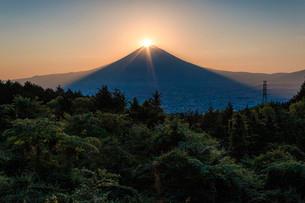 ダイヤモンド富士 日本 静岡県 御殿場市の写真素材 [FYI03404141]