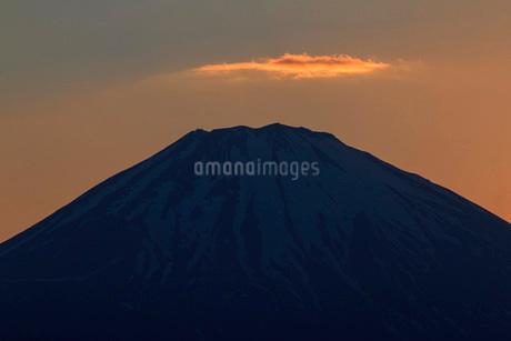夕焼けと富士山 日本 静岡県 御殿場市の写真素材 [FYI03404142]