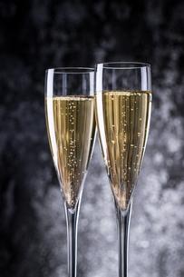 シャンパン、スパークリングワインの写真素材 [FYI03404227]