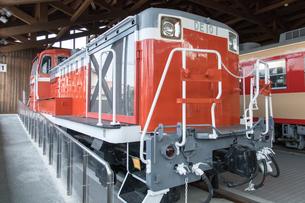 鉄道歴史パークに 展示される DE10型ディーゼル機関車 1号機の写真素材 [FYI03404488]