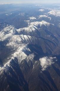 南アルプスこと赤石山系を飛行機から一望の写真素材 [FYI03404600]