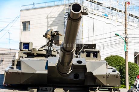 陸上自衛隊の戦車の砲塔の写真素材 [FYI03405382]