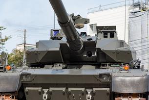 陸上自衛隊の戦車の写真素材 [FYI03405414]
