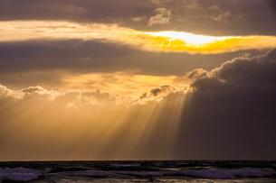 海と空と光の素材写真の写真素材 [FYI03405525]