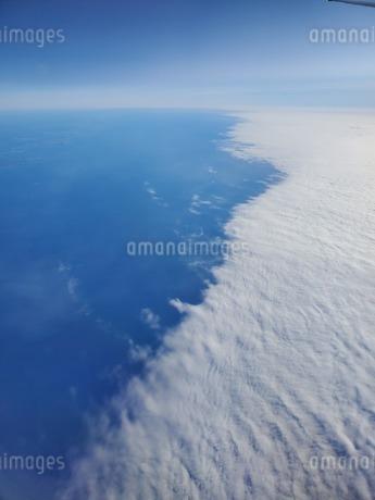 空と海と雲の写真素材 [FYI03406023]