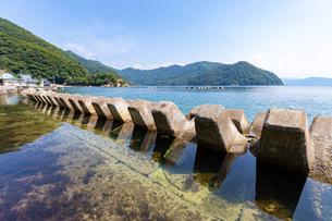 若狭湾、三方海域公園と常神海水浴場の写真素材 [FYI03406068]