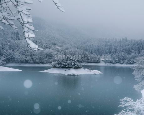 雪景色 日本 京都府 南丹市の写真素材 [FYI03406266]