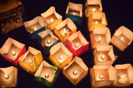 広沢池の灯籠流しの写真素材 [FYI03406299]