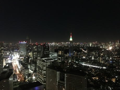 都心の夜景の写真素材 [FYI03406555]