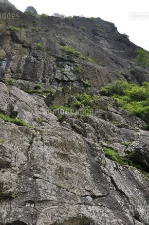 開運山 屏風岩の絶壁の写真素材 [FYI03406997]