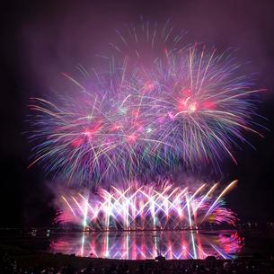 諏訪湖 日本 長野県 諏訪市の写真素材 [FYI03407369]