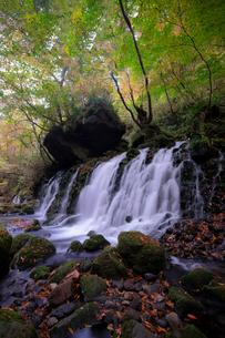 元滝伏流水 日本 秋田県 にかほ市の写真素材 [FYI03407411]