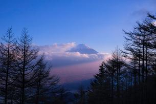 新道峠 日本 山梨県 笛吹市の写真素材 [FYI03407416]