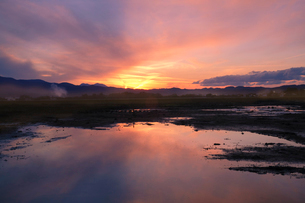 夕焼け 日本 新潟県 上越市の写真素材 [FYI03407423]