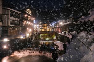銀山温泉 日本 山形県 尾花沢市の写真素材 [FYI03407457]